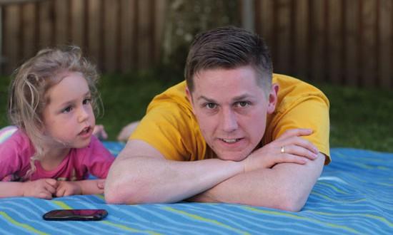 Ein Vater und Deutschland wandern  für ein besonderes Mädchen