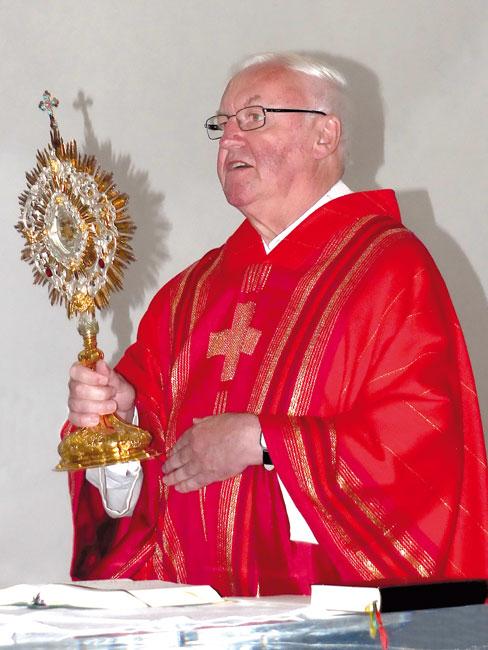 Photo of Pater Michael feiert sein  30-jähriges Priesterjubiläum